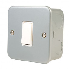Click Scolmore CL011 Metal Clad 10AX 1 Gang 2 Way Plate Switch with Back Box & Knockouts