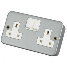 Click Scolmore CL036 Metal Clad 2 Gang 13A DP UK Switched Socket with Back Box & Knockouts