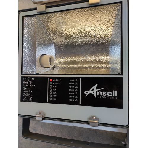 Ansell Floodlight Orion A250MHL Die Cast Aluminium Grey ip65 Black