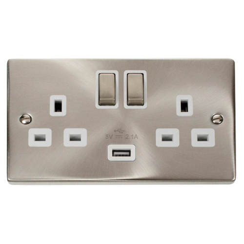 CLICK VPSC570WH SOCKET 2G SWD & USB 13A